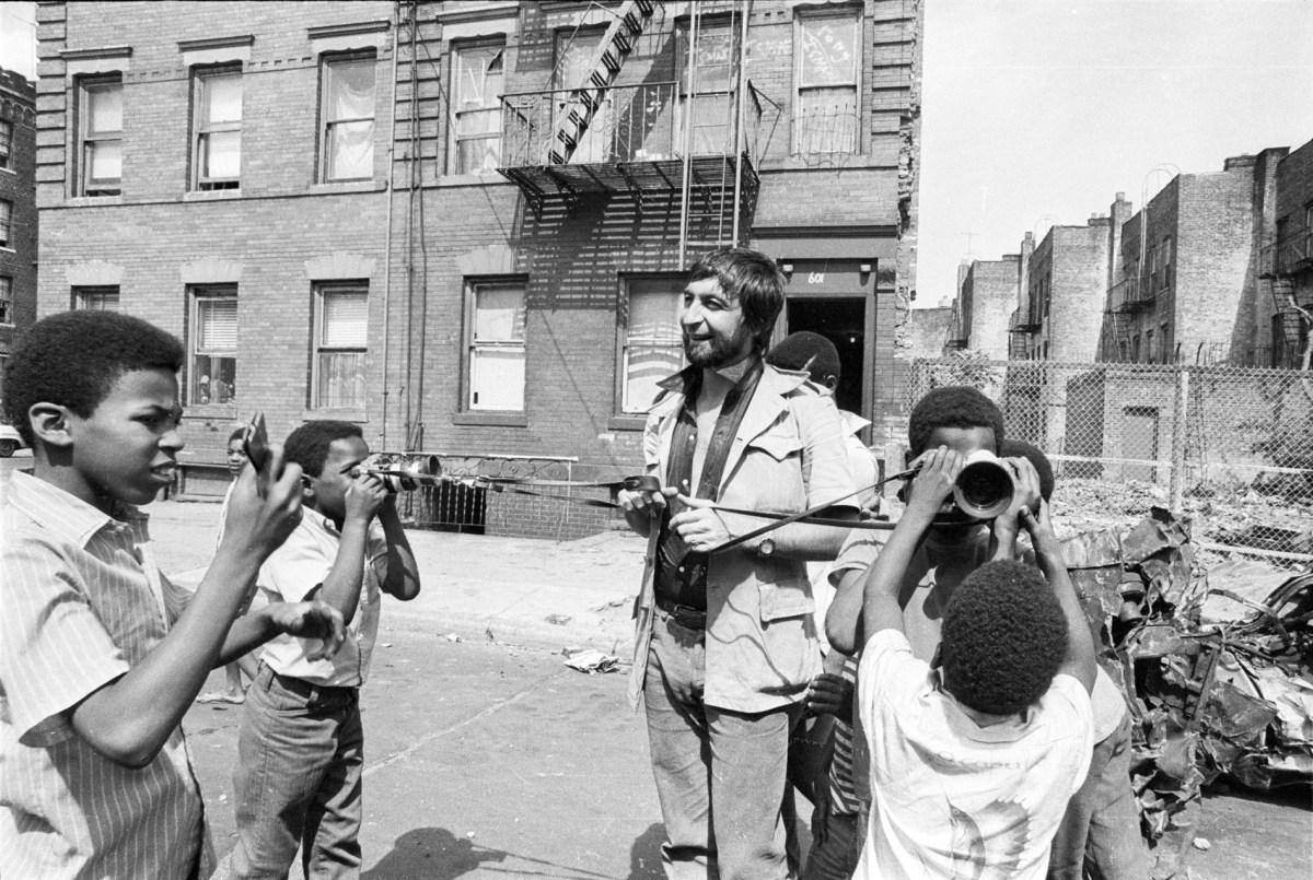 JPLaffont-Gallery-Ghetto-Brooklyn-LAF28177-26-e1403813530232